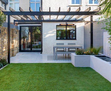 Small garden design Wimbledon